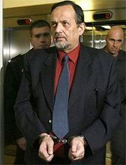 Der patriotische Dichter und Freiheitskämpfer Gerd Honsik wird von den Bütteln des Zionismus als Gedankenverbrecher verfolgt.